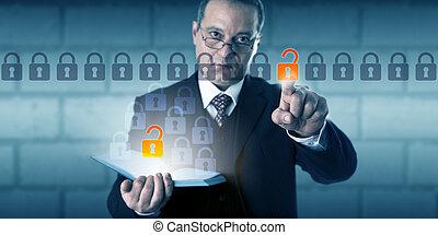 accesso, uomo affari, authenticated, initiating, dati