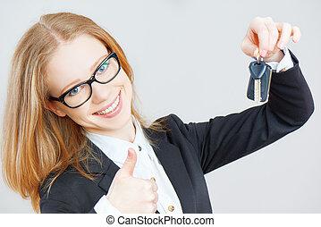 affari donna, chiavi, automobile, presa a terra, felice