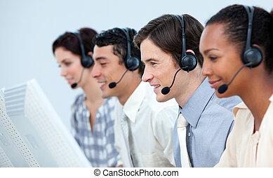 affari persone, cuffia, usando, concentrati
