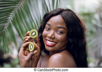 africano, splendore, pelle, verde, donna, bello, prese, giovane, liscio, modello, piante, perfetto, fruit., kiwi, sano, halfs, nudo, proposta, truccare, tropico, naturale, serra