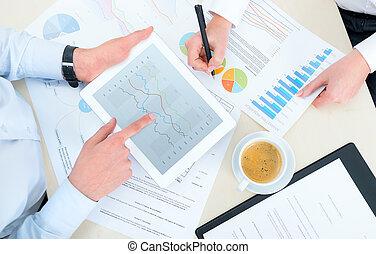 analytics, affari