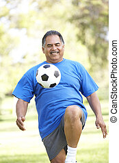 anziano, football, parco, esercitarsi, uomo