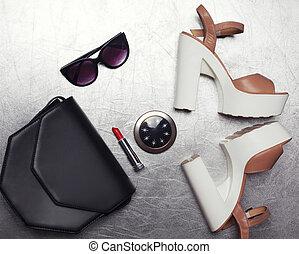 appartamento, poco, moda, scarpe, frizione, set, rispecchi occhiali sole, talloni, tasca, rossetto, fondo, nero, disposizione, femmina, textured, borsetta, argento, lusso