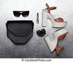 appartamento, poco, moda, scarpe, frizione, set, sopra, rispecchi occhiali sole, talloni, tasca, rossetto, fondo, nero, lusso, femmina, textured, borsetta, argento, disposizione
