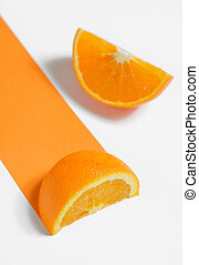 arancia, sfondo bianco, fette