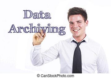 archiving, -, giovane, superficie, scrittura, uomo affari, sorridente, dati, trasparente