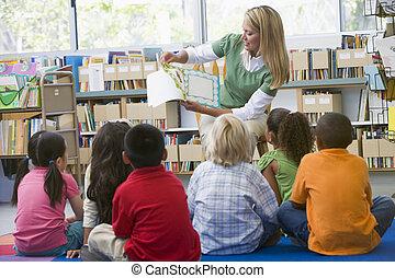 asilo, lettura, bambini, biblioteca, insegnante