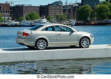 automobile, galleggiante, banchina, parcheggiato