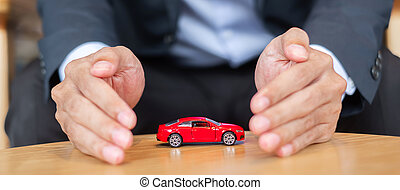 automobile, protezione, refinance, concetto, uomo affari, tavola., coperchio, assicurazione, giocattolo, soldi, mano, rosso, finanziario, o