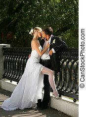 baciare, recente sposò, coppia