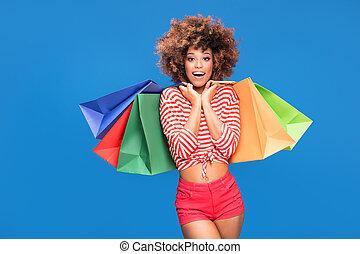 bags., colorito, presa a terra, shopping, ragazza, afro, felice