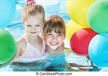 bambini, nuoto, palloni, pool., gioco