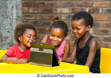 bambini, tablet., tre, insieme, africano, gioco