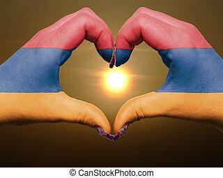 bandiera, cuore, esposizione, gesto, durante, armenia, fatto, alba, amore, colorato, simbolo, mani, turista