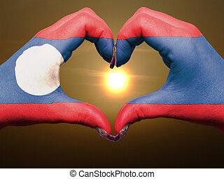 bandiera, cuore, esposizione, gesto, laos, durante, fatto, alba, amore, colorato, simbolo, mani, turista