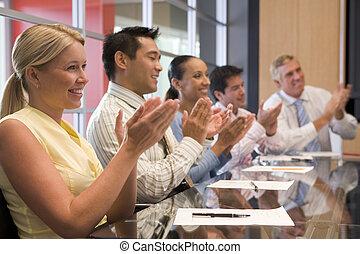 battimano, businesspeople, cinque, boardroom, tavola, sorridente