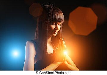 bella donna, pregare