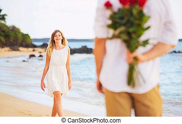 bello, romantico, mazzolino, amore, coppia, giovane, rose, presa a terra, data, sorpresa, donna, uomo