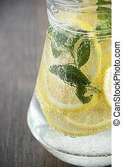 bevanda limone, menta
