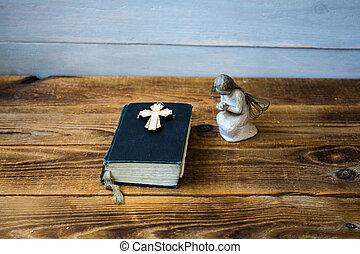 bibbia, vecchio, croce, angelo
