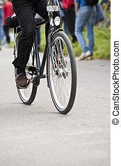 bicicletta cavalca