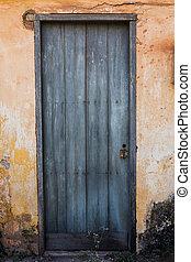 blu, vecchio, parete, casa, porta gialla