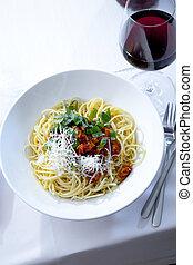 bolognese, spaghetti