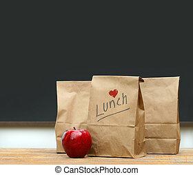borse, scrivania, mela, pranzo, scuola