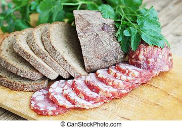 bread, salsiccia affettata