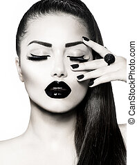 brunetta, ragazza, portrait., nero, trendy, manicure, caviale, bianco