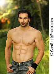 buono, maschio, modello, ritratto, esterno, adattare, shirtless, dall'aspetto