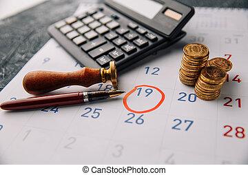calcolatore, calendario, primo piano, monete
