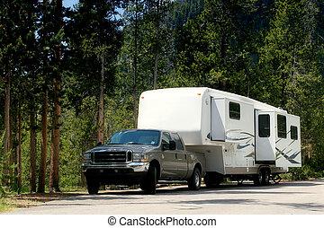 campeggiatore, yellowstone, roulotte