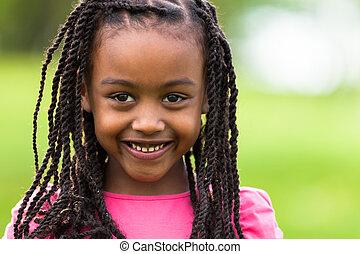 carino, esterno, persone, -, su, giovane, nero, africano, chiudere, ritratto, ragazza sorridente