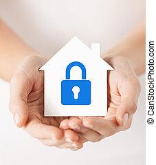 casa, serratura, carta, tenere mani