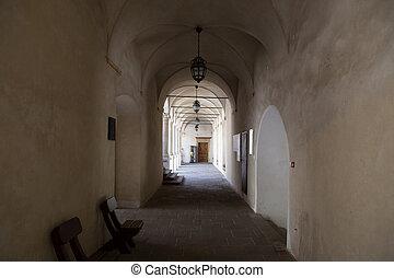 castello, corridoio