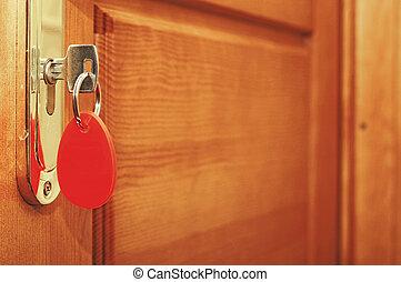 chiave, manico, inserito, buco serratura, porta