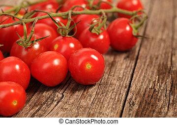 ciliegia, pomodori vite, mazzo