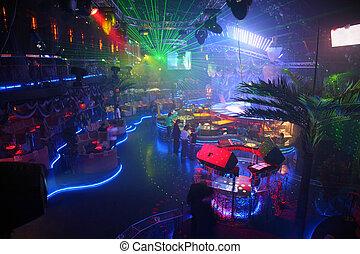 club, interno, notte