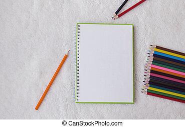 colorare, matite, quaderno