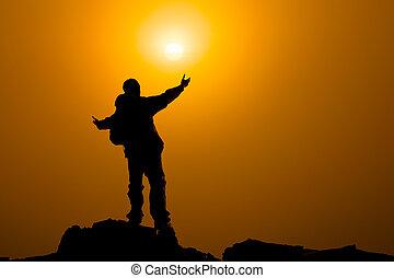 concetto, braccia hanno esteso, cielo, preghiera, verso, o, alba, uomo