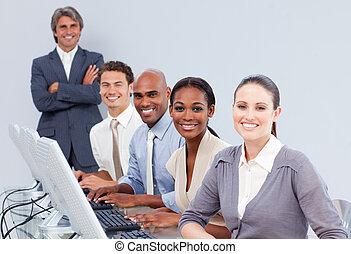 convocazione-centro, cliente, rappresentanti, servizio, felice