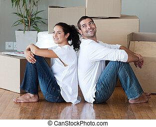 coppia, casa, spostamento, giovane