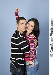 coppia felice, giovane