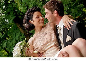 coppia, felice, outdoors., matrimonio, sorridente