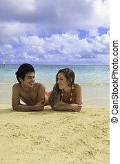 coppia, spiaggia, hawai, lounging