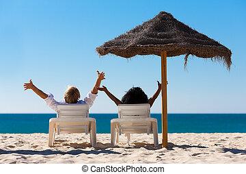 coppia, vacanza spiaggia, parasole