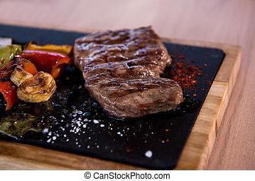 cotto ferri, bistecca, succoso