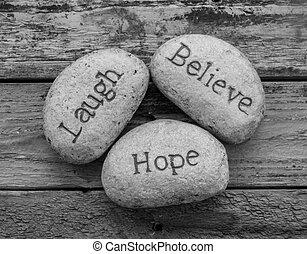 credere, amore, speranza, pietre