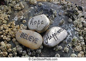credere, speranza, felicità, pietre